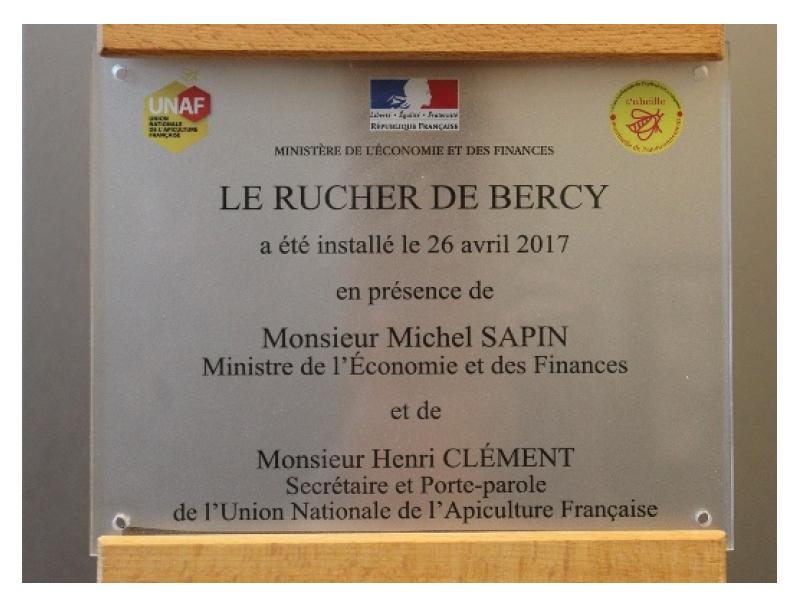 Plaque d'inauguration du rucher